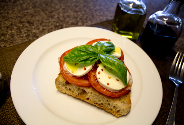 tomato mozzarella and basil bruschetta recipe