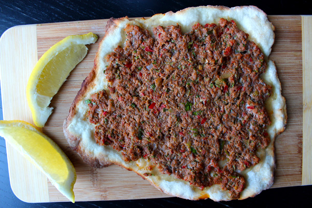 Cooked lahmacun