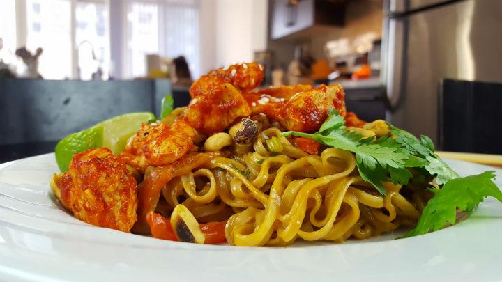 rice-noodles-in-peanut-suace